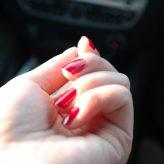 Jak si nalakovat nehty